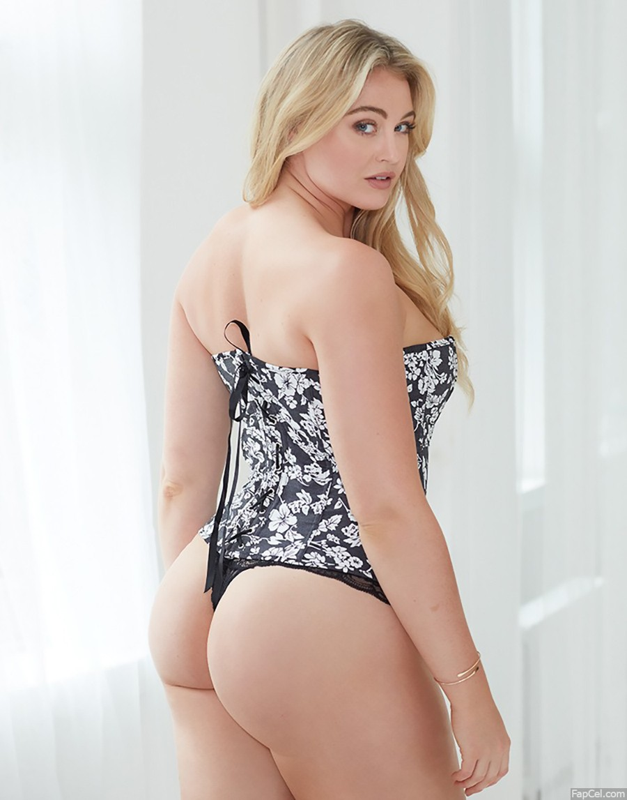 Iskra Lawrence Big Ass