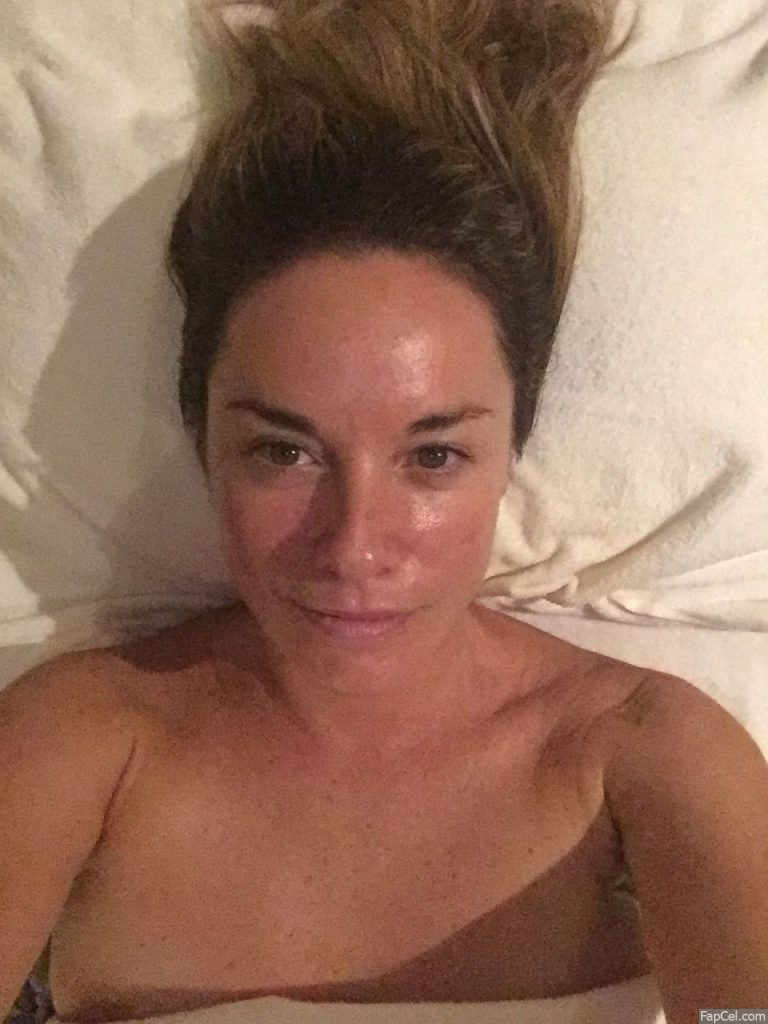 Tamzin Outhwaite Leaked No Makeup